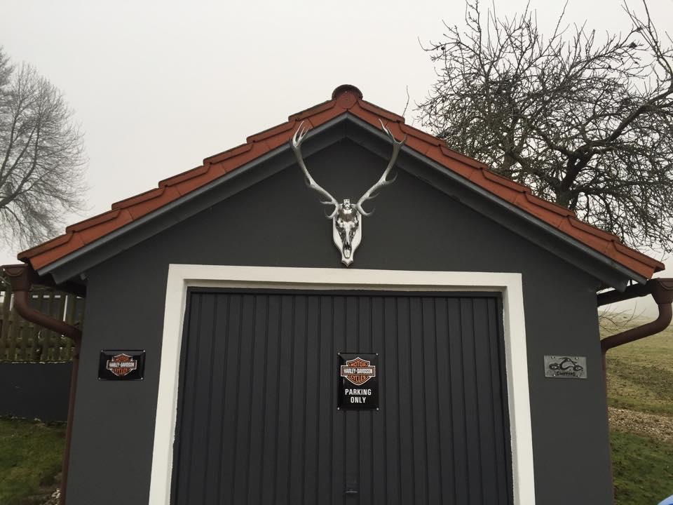 Aff da Alm Garage